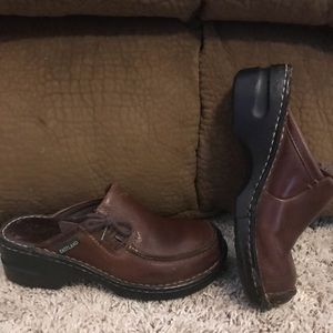 Eastland Brown Mules Clogs Size 7M VGC